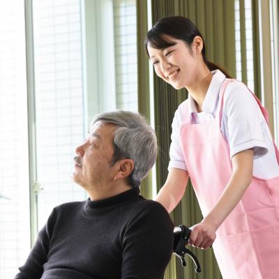 男女活躍中!未経験者歓迎の介護業務!(徳島市)ID:2933